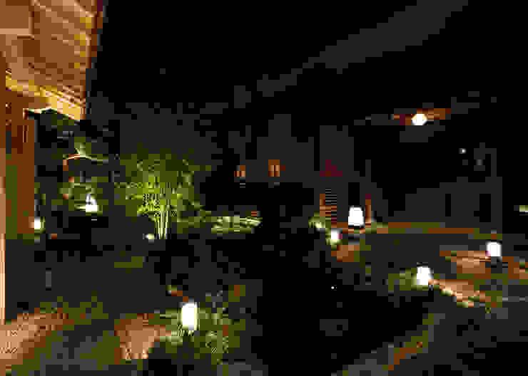 外観 アジア風レストラン の 中川デザイン事務所 和風