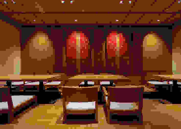 掘りごたつ席 アジア風レストラン の 中川デザイン事務所 和風