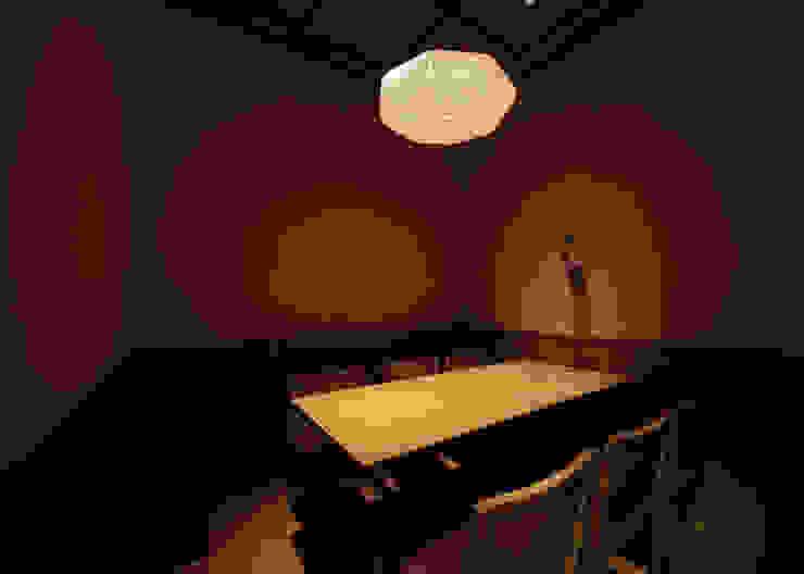 個室席 アジア風レストラン の 中川デザイン事務所 和風