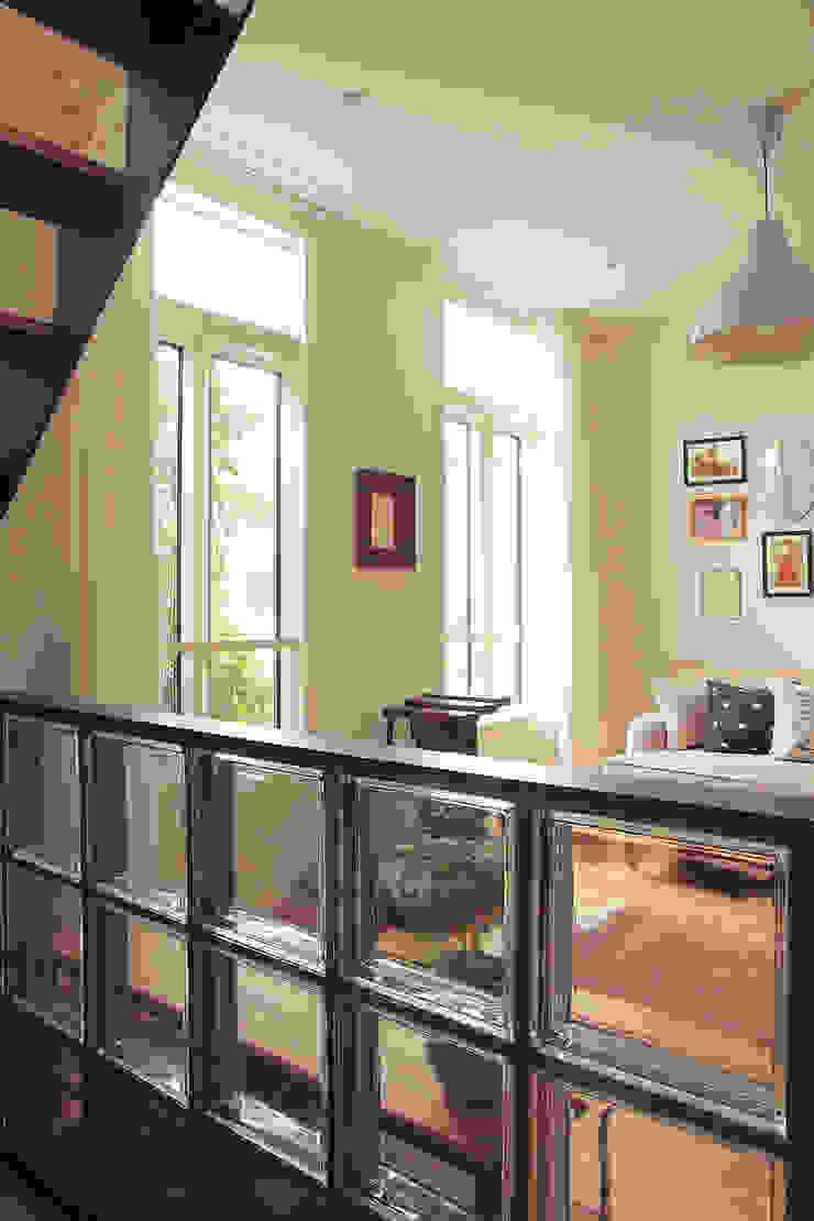 フレーバーハウス: こぢこぢ一級建築士事務所が手掛けた現代のです。,モダン