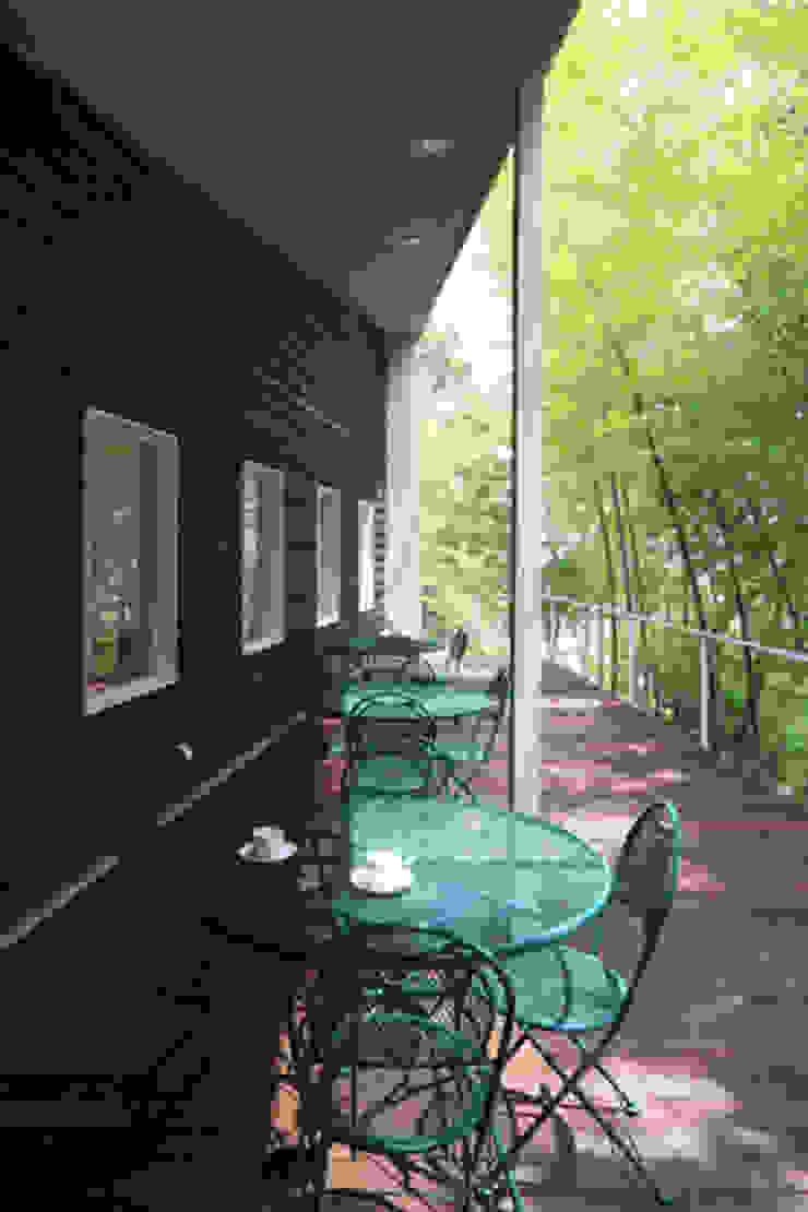 丘の上のレストラン(日本料理レストラン hitachino-ISHIZAKI) モダンデザインの テラス の 一級建築士事務所あとりえ モダン