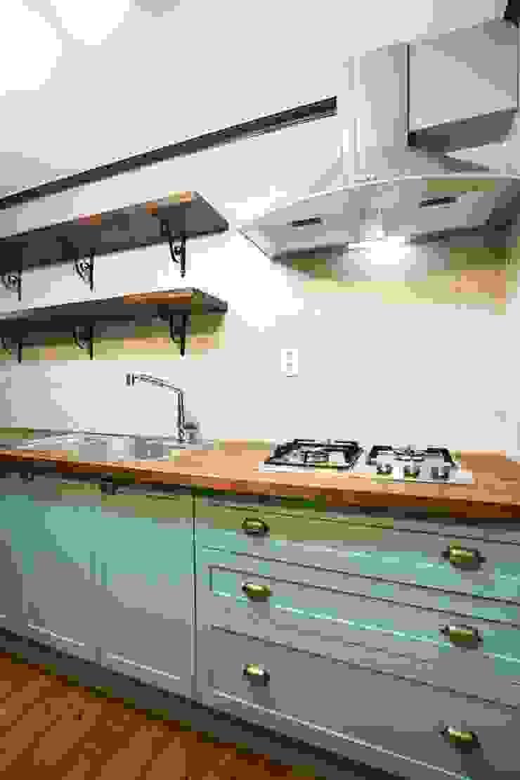 나무숨인테리어 Modern Kitchen