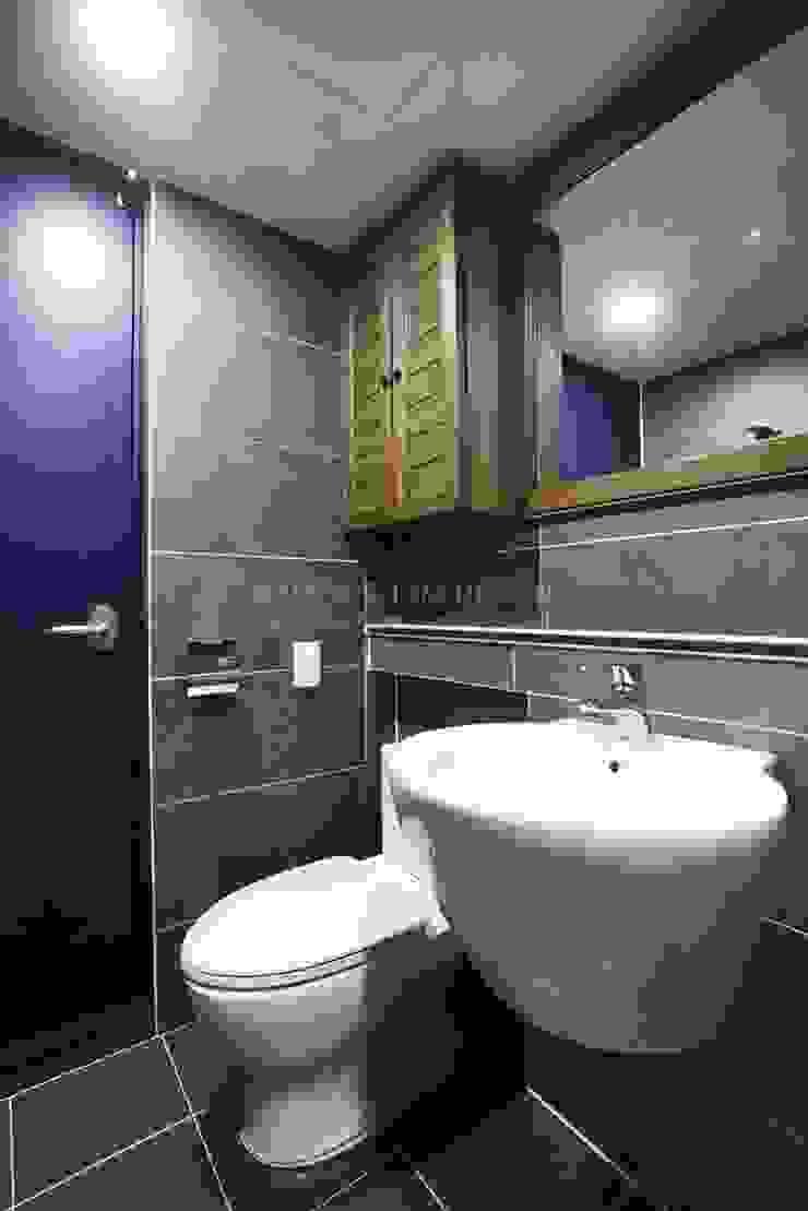 나무숨인테리어 Modern Bathroom