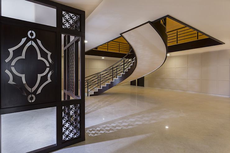 Bangalore Villas Modern corridor, hallway & stairs by Spaces and Design Modern