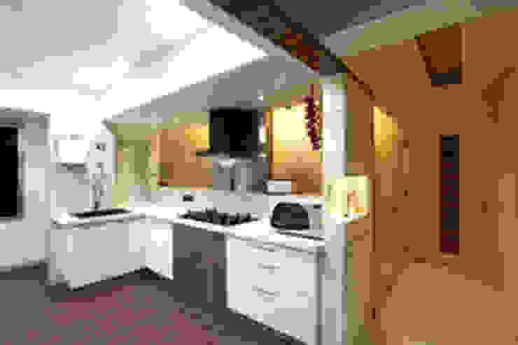 Chaten Disoza Modern kitchen by PSQUAREDESIGNS Modern