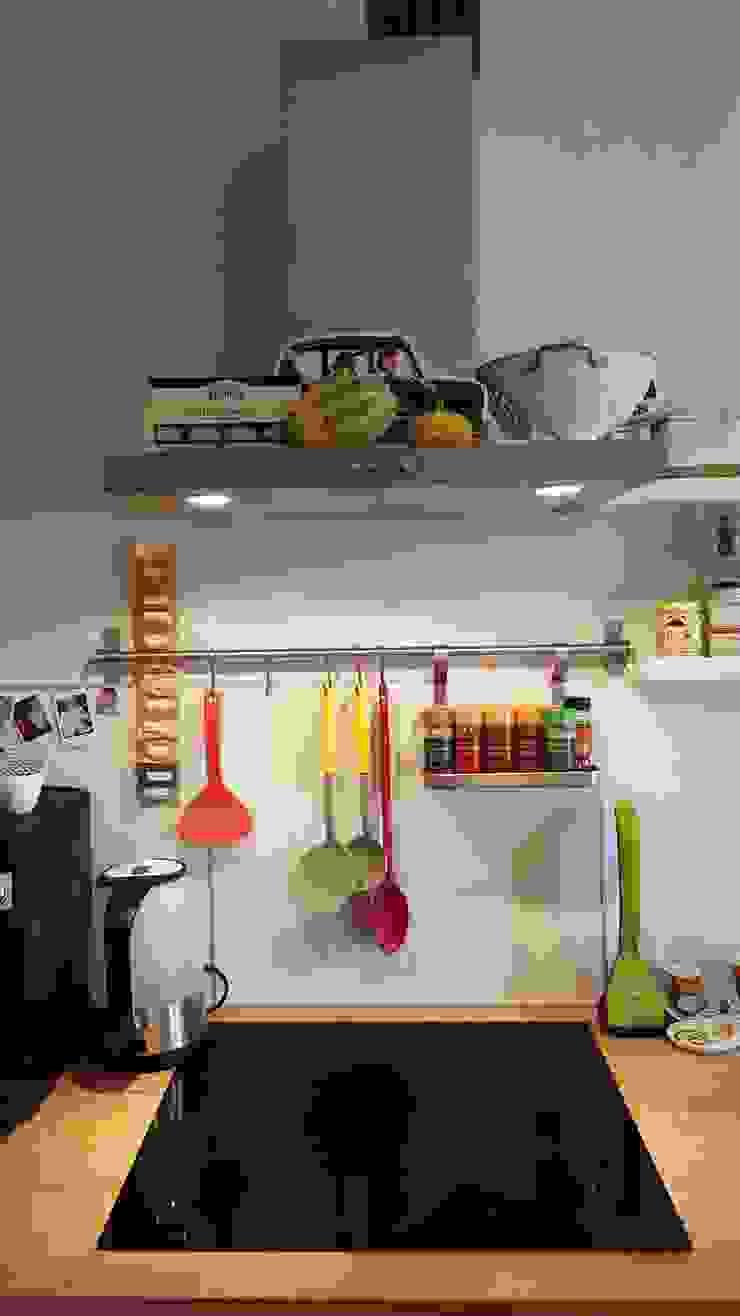 Klimatyczne mieszkanie w starej kamienicy Skandynawska kuchnia od Project Art Joanna Grudzińska-Lipowska Skandynawski