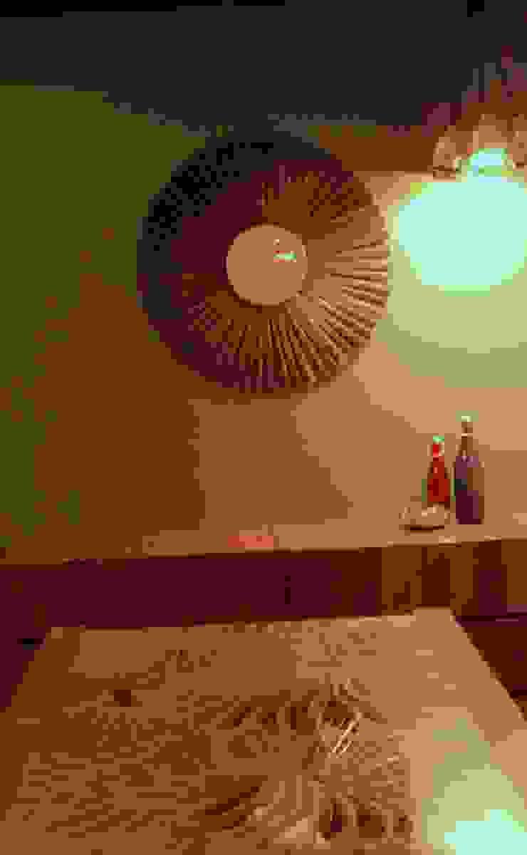 Seaview Apartment at Palm Beach Residency at Navi Mumbai Modern dining room by Shweta Deshmukh & Associates Modern