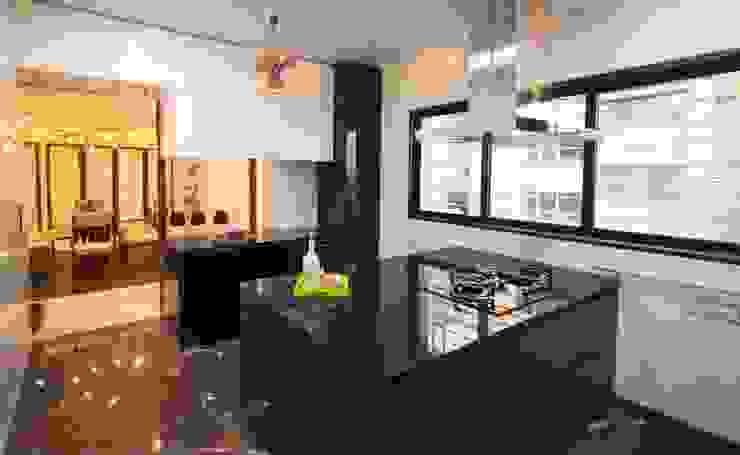 Anmi Residence Modern kitchen by andblack design studio Modern