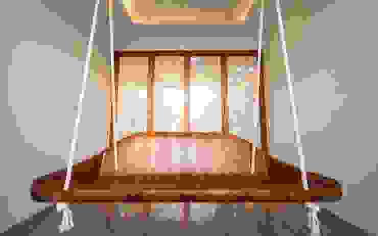Anmi Residence Modern balcony, veranda & terrace by andblack design studio Modern
