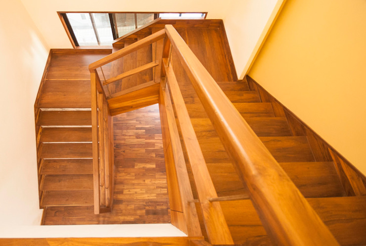 Anmi Residence Modern corridor, hallway & stairs by andblack design studio Modern