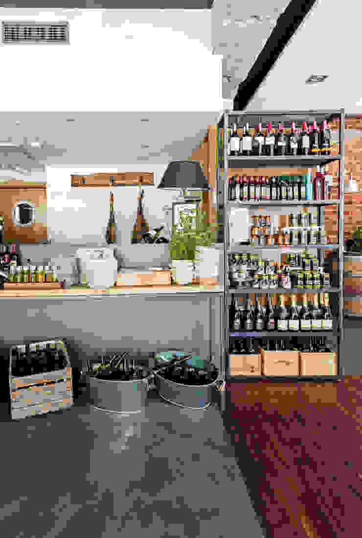 Our photoshoot for Dwie Trzecie Restaurant (Warsaw) od Ayuko Studio Industrialny Cegły