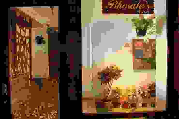 Seaview Apartment at Palm Beach Residency at Navi Mumbai Modern windows & doors by Shweta Deshmukh & Associates Modern