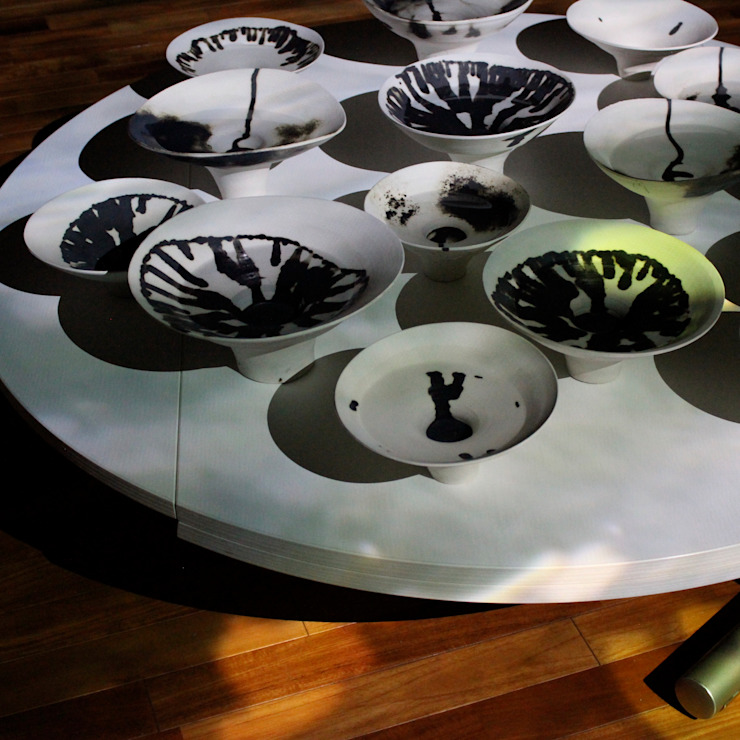 A Spring into Myself : Ricca OKANOが手掛けた現代のです。,モダン 磁器