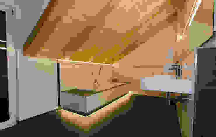 Projekty,  Łazienka zaprojektowane przez Hauptvogel & Schütt Planungsgruppe, Nowoczesny