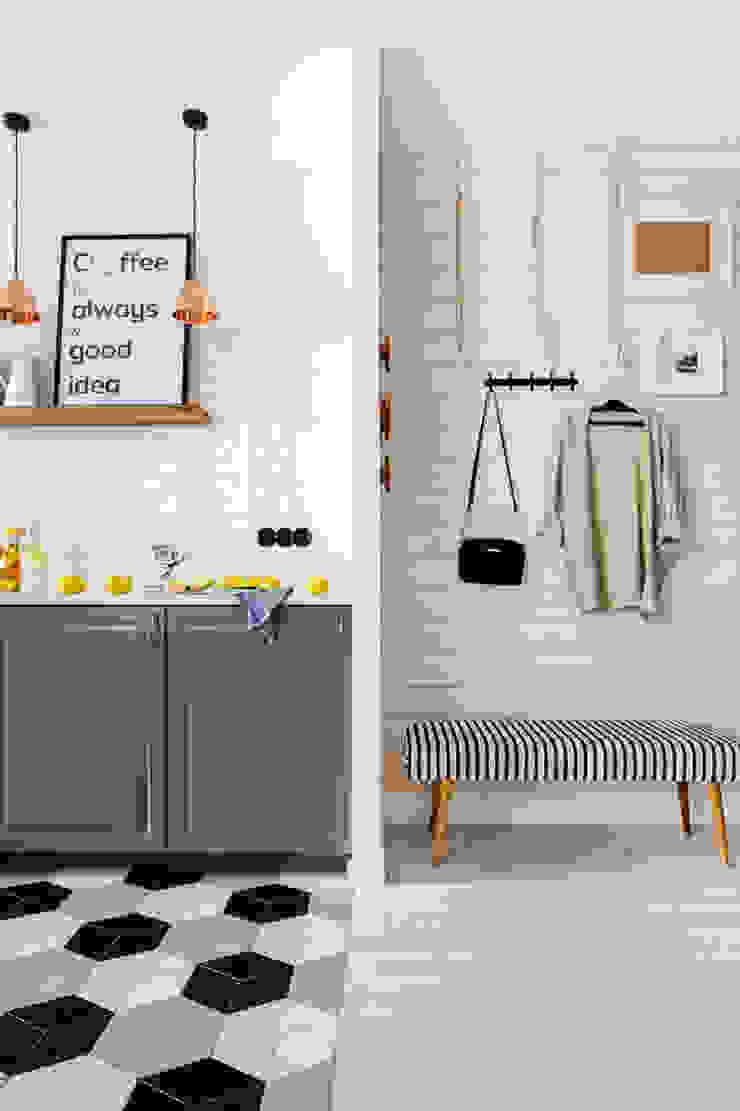 Our photoshoot of apartment design by Domaga Architects Eklektyczny korytarz, przedpokój i schody od Ayuko Studio Eklektyczny