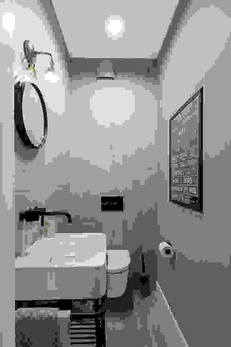 Our photoshoot of apartment design by Domaga Architects Eklektyczna łazienka od Ayuko Studio Eklektyczny Drewno O efekcie drewna
