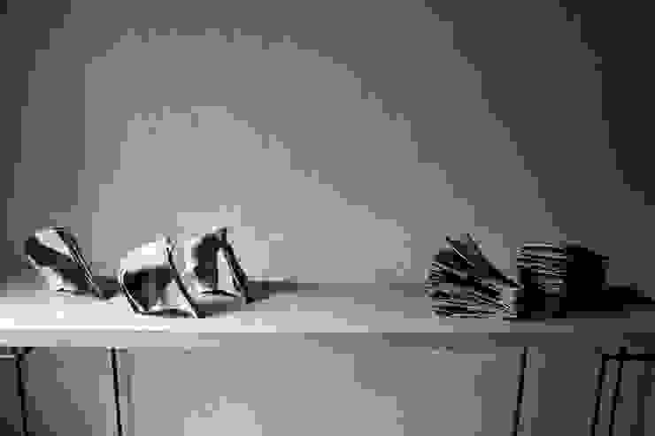 Voice of The Frost: Ricca OKANOが手掛けた現代のです。,モダン 磁器