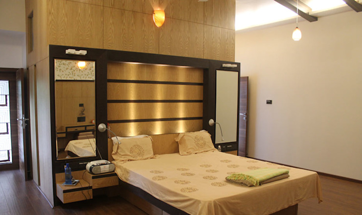Kulkarni Bunglow Interior Modern style bedroom by Prashanth Deshmukh & Associates Modern