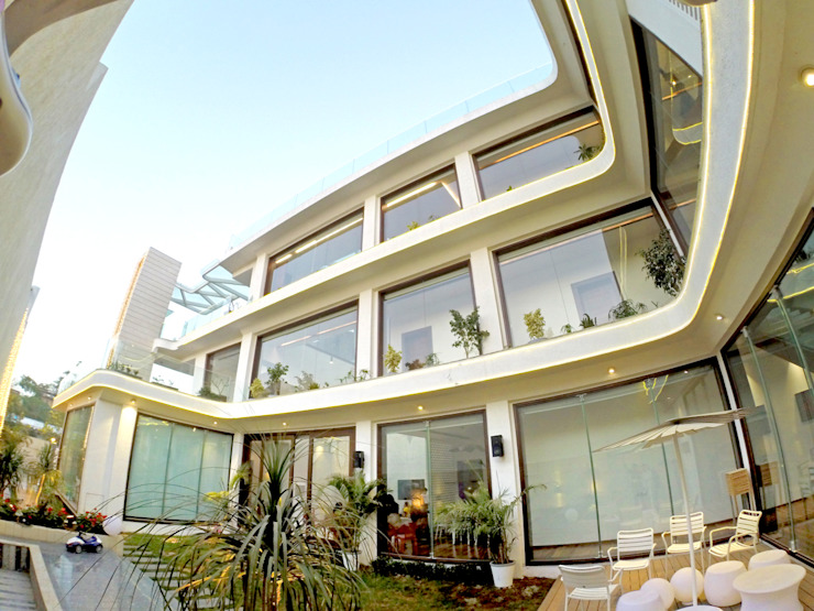 INDRA HIRA INNERSPACE Modern houses