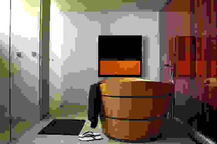 AL.Casa Branca Banheiros modernos por IN - Studio Arquitetura de Interiores Moderno