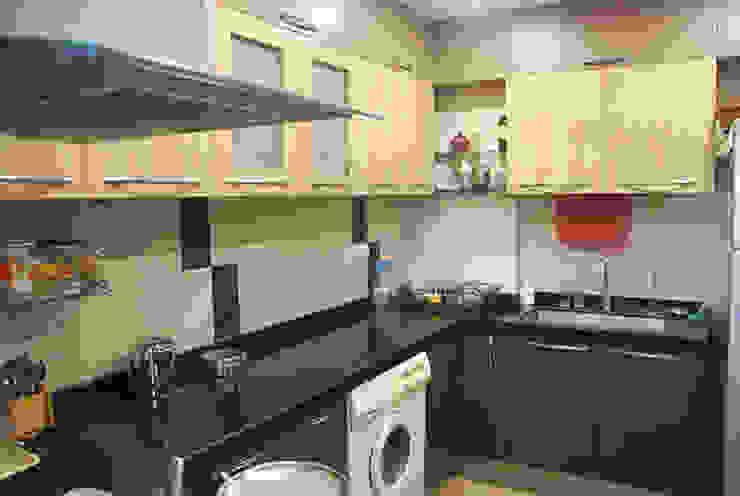 Rest n Beige Modern kitchen by Sneha Samtani I Interior Design. Modern