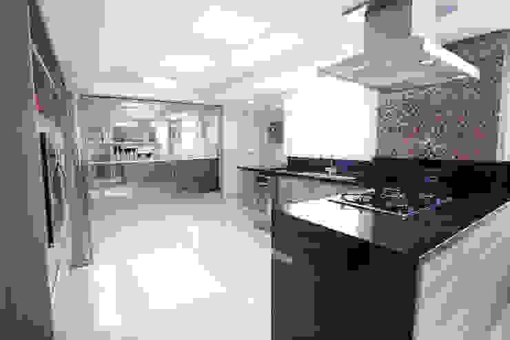 Residência Juvevê Cozinhas clássicas por VL Arquitetura e Interiores Clássico