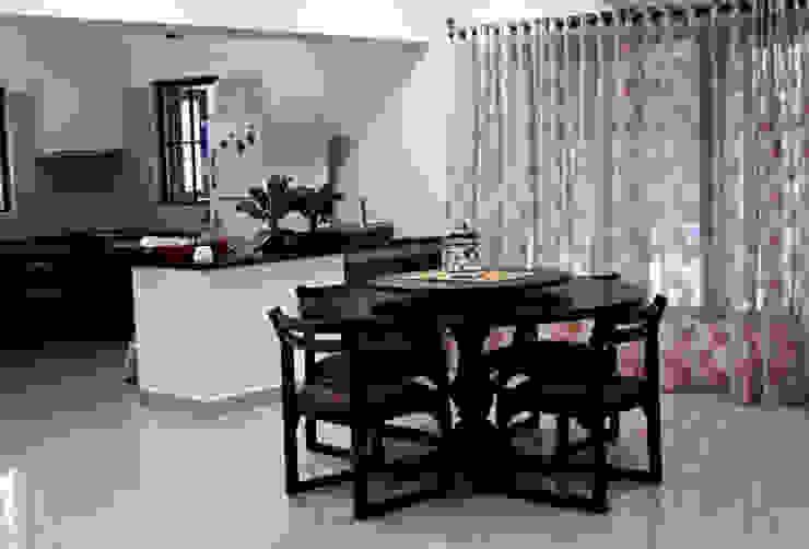 Banjara Hills House Modern dining room by Saloni Narayankar Interiors Modern