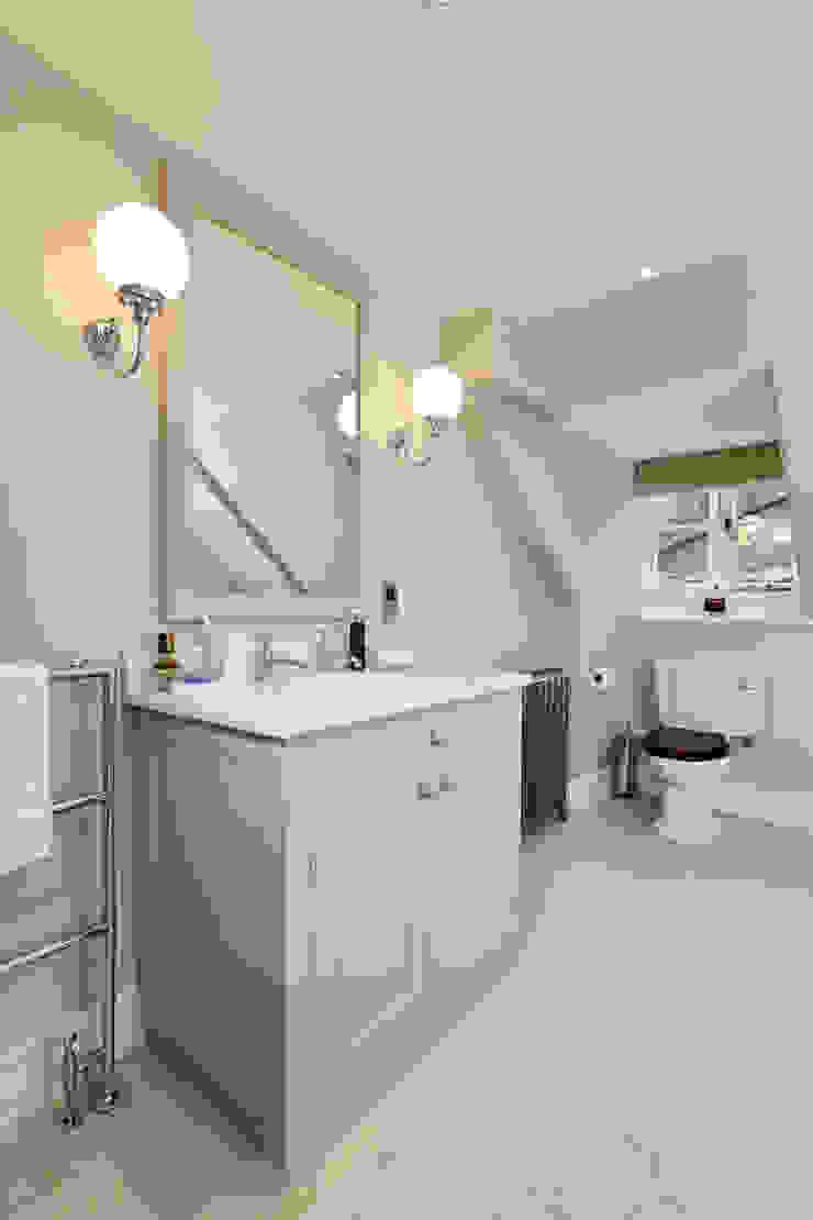 Guest Bathroom Two Etons of Bath Classic style bathroom Grey