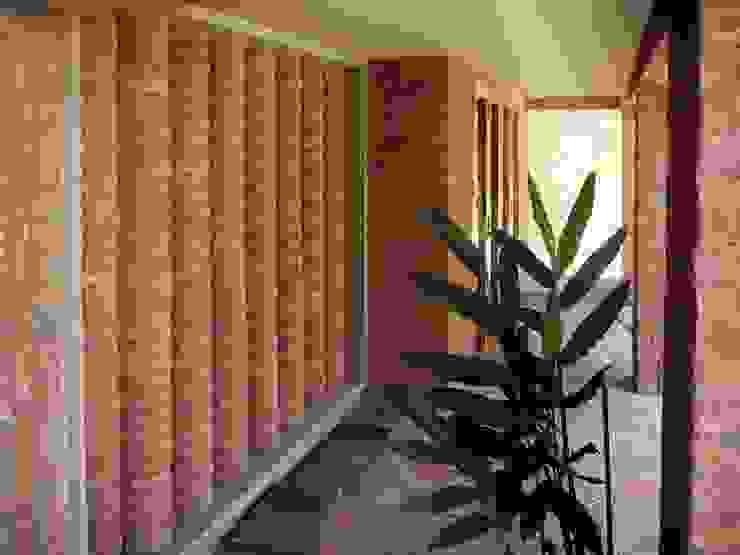 Pasillos y recibidores de estilo  por Odart Graterol Arquitecto