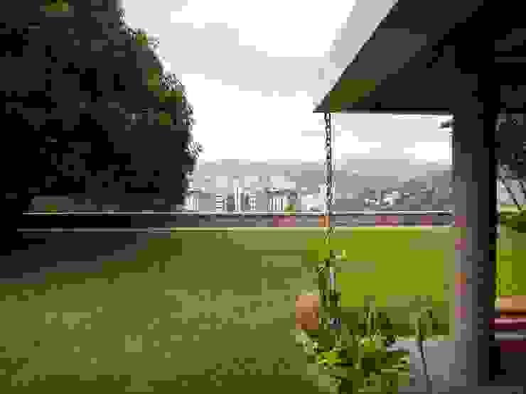 Jardines de estilo  por Odart Graterol Arquitecto