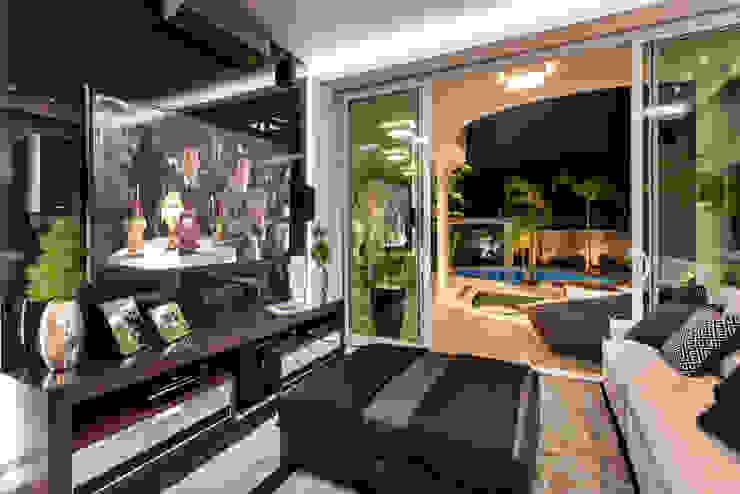 Projekty,  Pokój multimedialny zaprojektowane przez Arquiteto Aquiles Nícolas Kílaris,