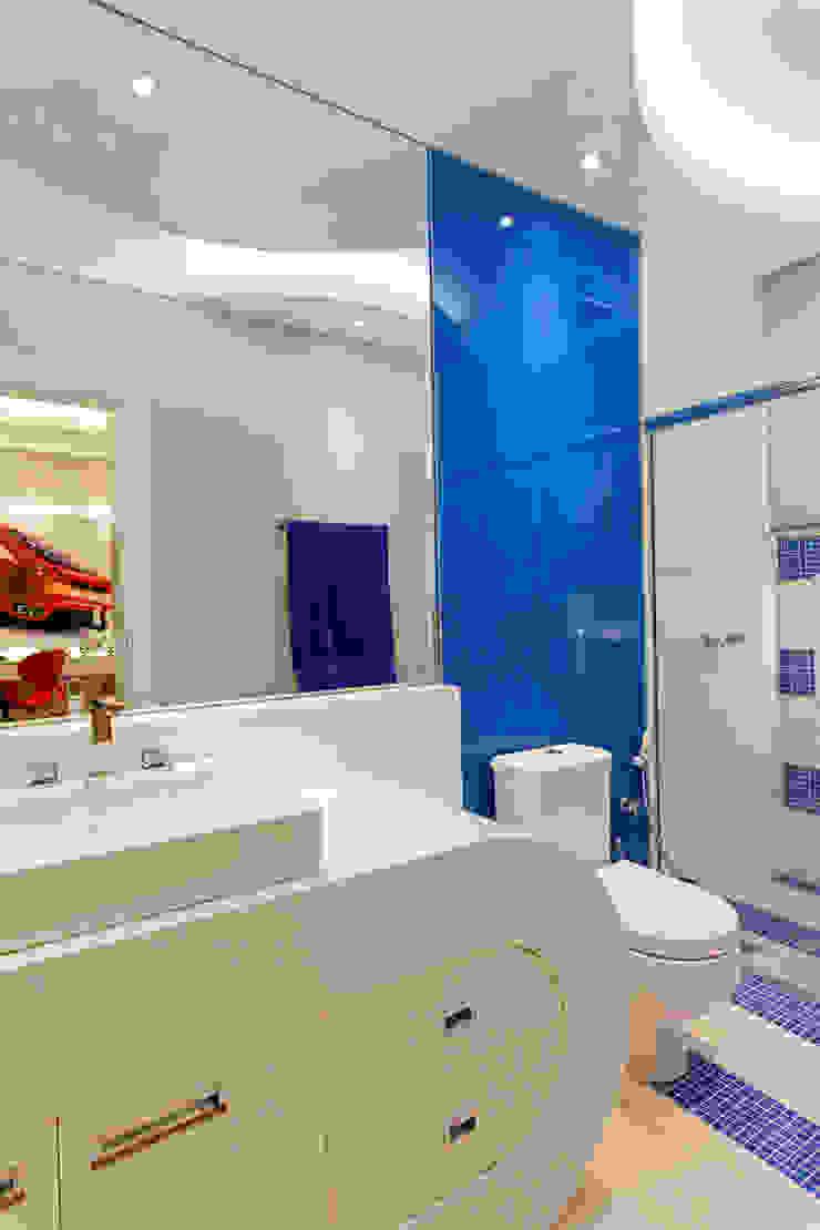 Casa Tripoli Banheiros modernos por Arquiteto Aquiles Nícolas Kílaris Moderno