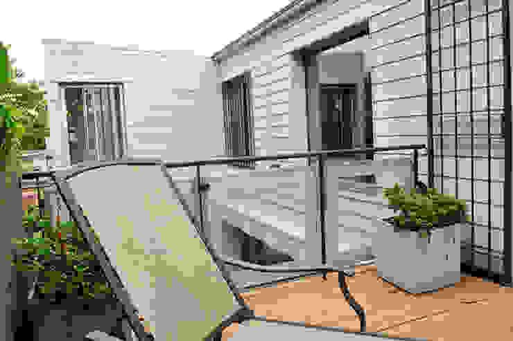 Terraza Minimalistischer Balkon, Veranda & Terrasse von Radrizzani Rioja Arquitectos Minimalistisch Holz Holznachbildung