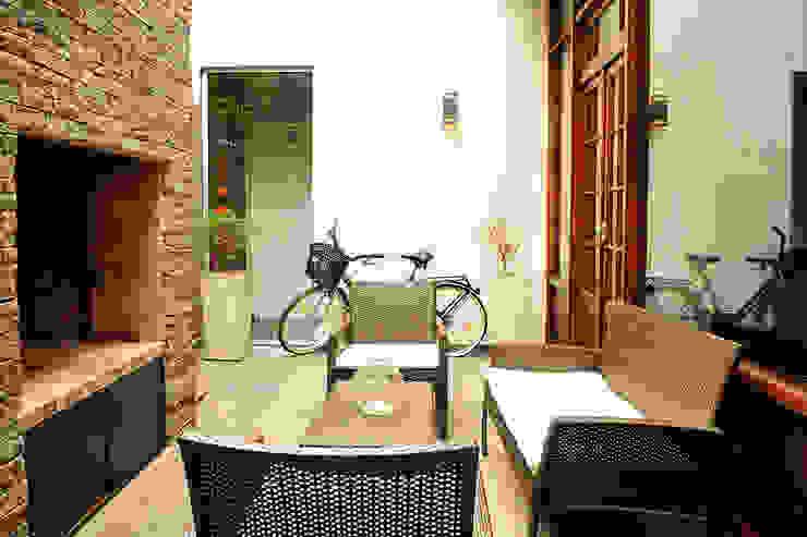 Exterior Casas de estilo minimalista de Radrizzani Rioja Arquitectos Minimalista Piedra