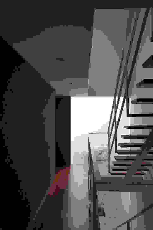 2階廊下 和風の 玄関&廊下&階段 の 東章司建築研究所 和風 木 木目調