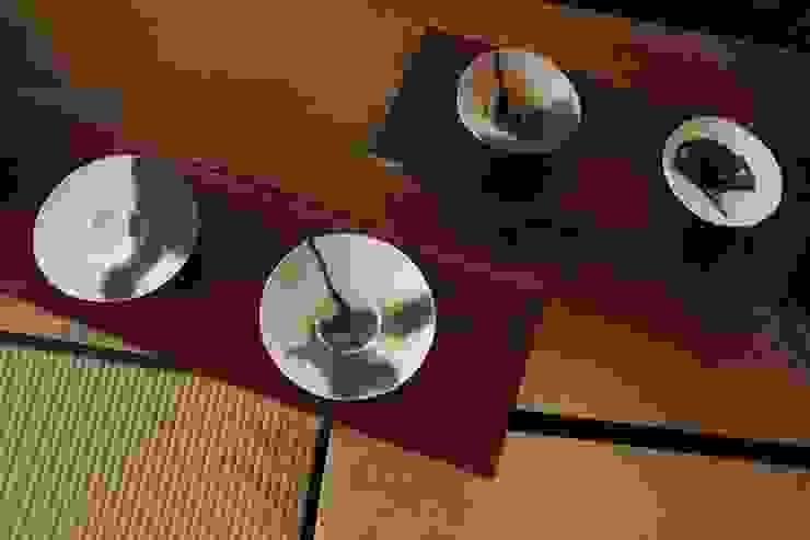 Plates (semi-porcelain): Ricca OKANOが手掛けた現代のです。,モダン 磁器