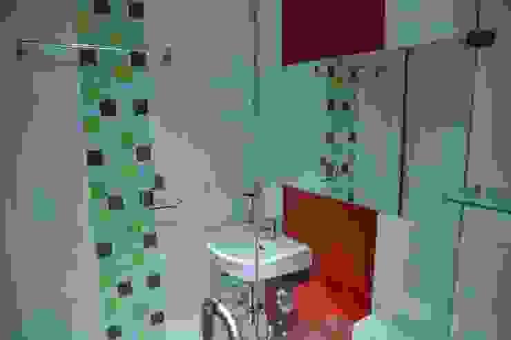 Kids Room Bathroom: modern  by ZEAL Arch Designs,Modern