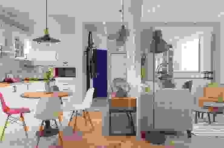 Дизайн проект кухни-гостиной для молодой увлеченной танцами пары. Кухни в эклектичном стиле от Катя Волкова Эклектичный