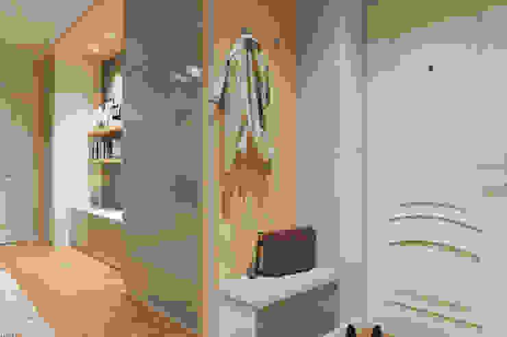 Дизайн-проект двухкомнатной квартры. Коридор, прихожая и лестница в эклектичном стиле от Катя Волкова Эклектичный