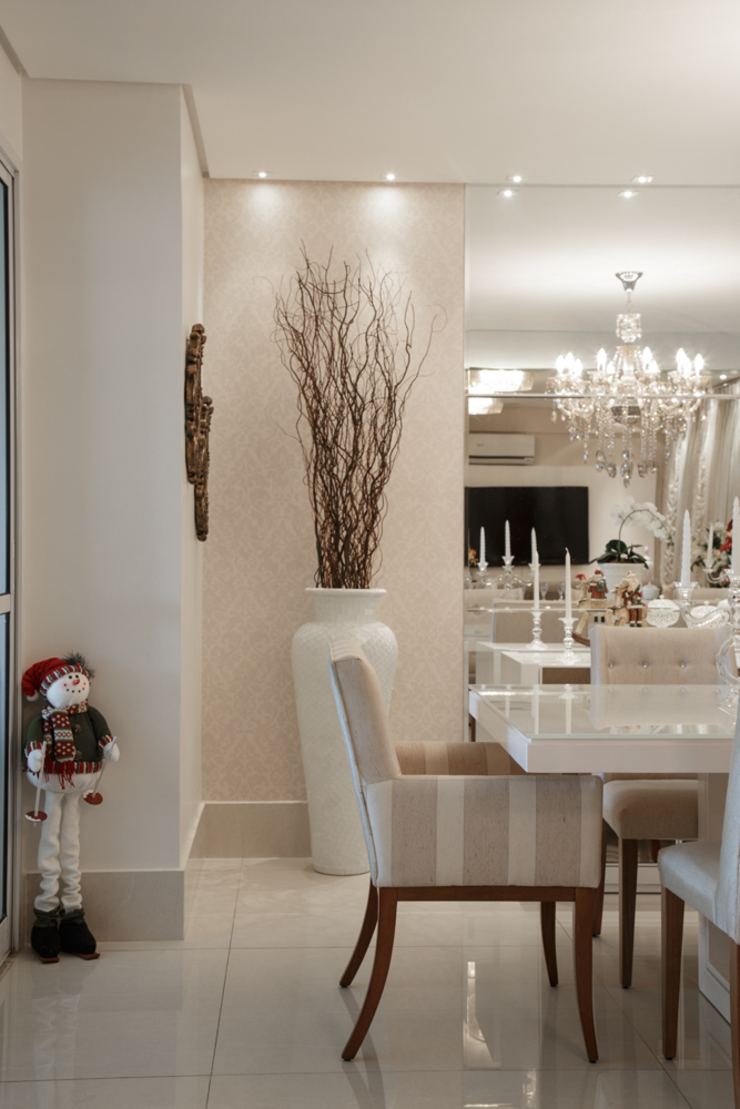 Sala de jantar Salas de jantar clássicas por Livia Martins Arquitetura e Interiores Clássico