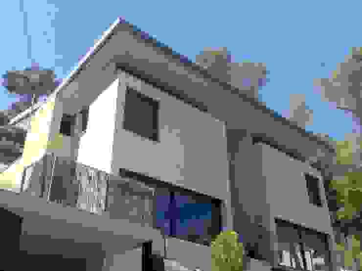 Fachada Principal Casas modernas de Oleb Arquitectura & Interiorismo Moderno
