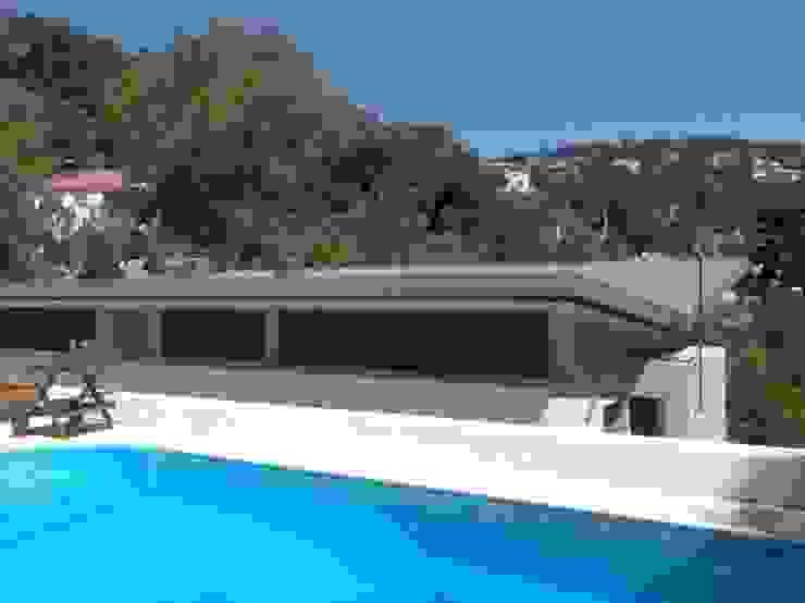 Vista desde la Piscina Piscinas de estilo moderno de Oleb Arquitectura & Interiorismo Moderno