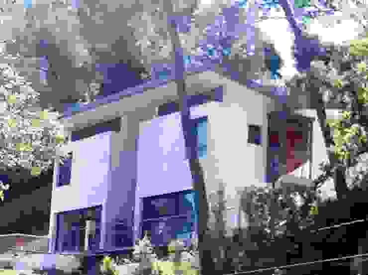 Vista Fachada lateral Casas modernas de Oleb Arquitectura & Interiorismo Moderno