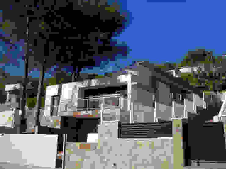 Fachada Principal Casas de estilo mediterráneo de Oleb Arquitectura & Interiorismo Mediterráneo