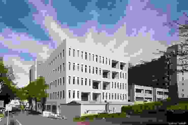 外観 オリジナルな 家 の Ryo MURATA Laboratory オリジナル 鉄筋コンクリート
