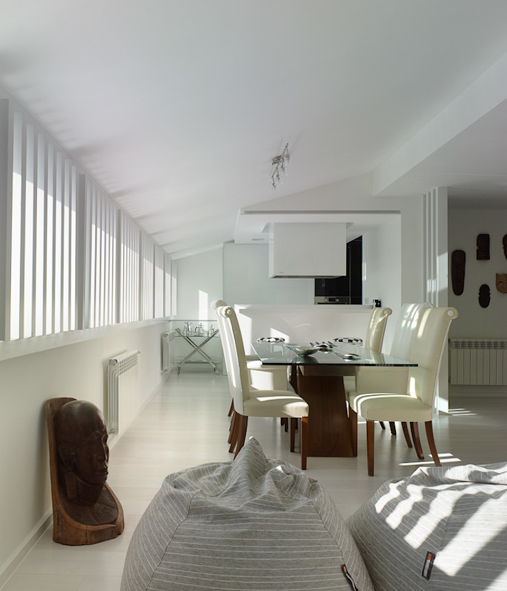 Minimalist dining room by Interior Zen. Obras e Proxectos Minimalist