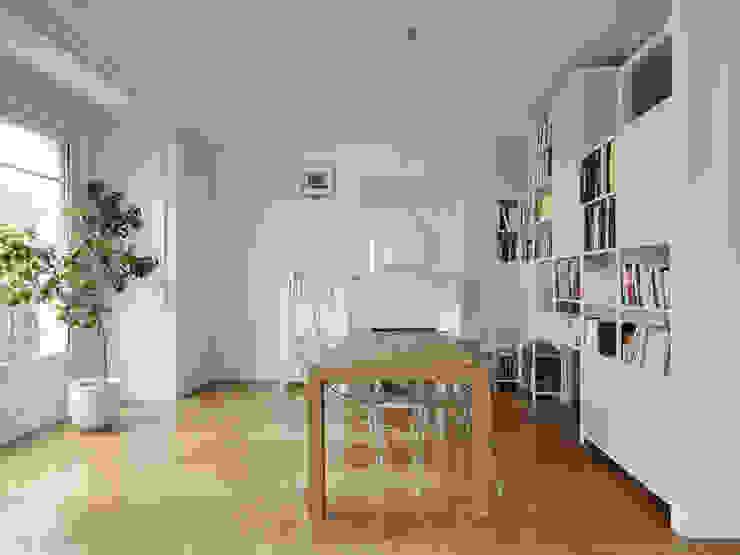 Batiik Studio Living roomCupboards & sideboards
