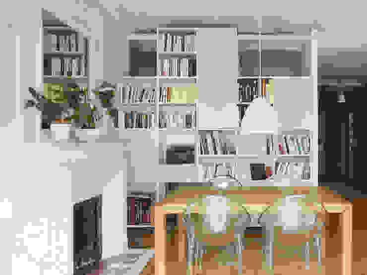 Malo & Pol - Appartement lumineux de 110 m² au Coeur du Marais par Batiik Studio Moderne