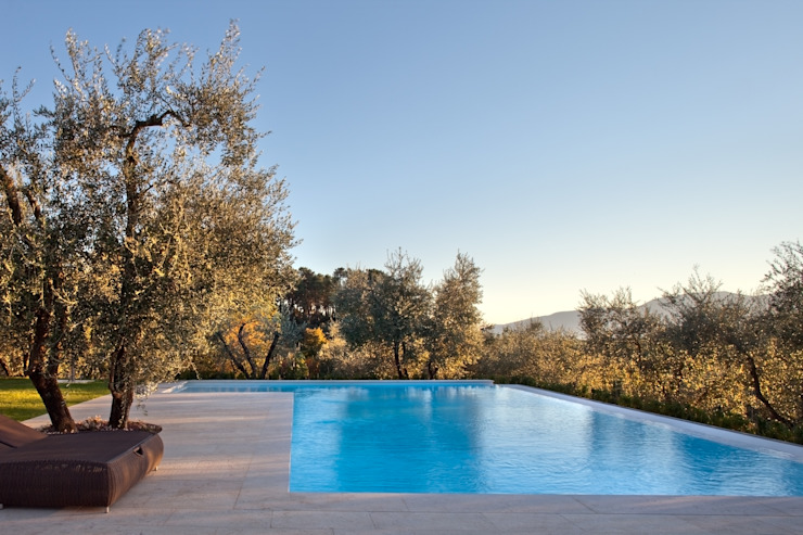 Rustic style pool by MIDE architetti Rustic