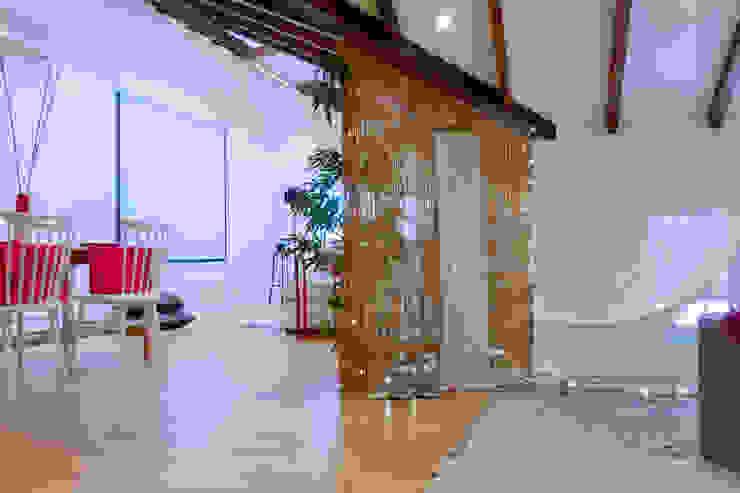 Asun Tello Salones de estilo moderno de Asun Tello Moderno